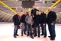 SCHAATSEN: HEERENVEEN: 21-01-2014, IJsmeesters 'De Coolste Baan van Nederland', v.l.n.r. Bob Koehorst (Haarlem), Frank Zuurendonk (Haarlem), George Bouret (Enschede), Beert Boomsma (Heerenveen), Geert Smink (Heerenveen), Gerrit de Jonge (Groningen), Cees Nooij (Technische man Zamboni), ©foto Martin de Jong