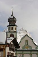 Europe/Italie/Trentin Haut-Adige/Dolomites/Alta Badia/ San Cassiano: l'église