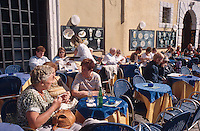 Italien, Venetien , Cafe in Malcesine am Gardasee