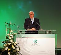 Abschlussrede von DFB-Präsident Dr. Theo Zwanziger<br /> 39. Ordentlicher DFB-Bundestag in der Rheingoldhalle<br /> *** Local Caption *** Foto ist honorarpflichtig! zzgl. gesetzl. MwSt. Es gelten ausschließlich unsere unter <br /> <br /> Auf Anfrage in hoeherer Qualitaet/Aufloesung. Belegexemplar an: Marc Schueler, Am Ziegelfalltor 4, 64625 Bensheim, Tel. +49 (0) 6251 86 96 134, www.gameday-mediaservices.de. Email: marc.schueler@gameday-mediaservices.de, Bankverbindung: Volksbank Bergstrasse, Kto.: 151297, BLZ: 50960101