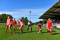 Standard physical trainer Yves Depluvrez (C) and Standard players before a women soccer match between Standard Femina de Liege and Eendracht Aalst dames, Saturday 25 September 2021 in Liege, in the 1/16 th final of the Belgian Womens Cup 2021-2022. PHOTO BERNARD GILLET