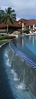 France/DOM/Martinique/Le François: Hôtel Cap Est Lagoon Resort & Spa - Les villas et la piscine