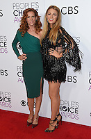 Blake Lively + sister Robyn Lively @ the 2017 People's Choice awards held @ the Microsoft theatre.<br /> January 18, 2017. Los Angeles, USA. # PEOPLE'S CHOICE AWARDS 2017 - PRESSROOM
