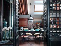 Oriental Influence, Istanbul