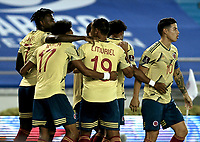 BARRANQUILLA – COLOMBIA, 09 –10-2020: Jugadores de Colombia (COL) celebran el gol anotado a Venezuela (VEN), durante partido entre los seleccionados de Colombia (COL) y Venezuela (VEN), de la fecha 1 por la clasificatoria a la Copa Mundo FIFA Catar 2022, jugado en el estadio Metropolitano Roberto Melendez en la ciudad de Barranquilla. / Players of Colombia (COL)  celebrate a scored goal to Venezuela during match between the teams of Colombia (COL) and Venezuela (VEN), of the 1st date for the FIFA World Cup Qatar 2022 Qualifier,  played at Metropolitan stadium Roberto Melendez in Barranquilla city. Photo: VizzorImage / Julian Medina FCF  / Cont.