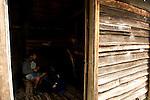 waklers in Ducan hut built in 1910 by hunters, one of the oldest hut of the track..Arrivée à Ducane Hut, construite en 1910 par des trappeurs, l'un des refuges les plus anciens du trek