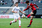 Auckland City Defender Darren White (l) fights for the ball with FC Seoul Midfielder Kim Hangil (r) during the 2017 Lunar New Year Cup match between Auckland City FC (NZL) vs FC Seoul (KOR) on January 28, 2017 in Hong Kong, Hong Kong. Photo by Marcio Rodrigo Machado/Power Sport Images