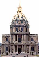 Paris: Hotel des Invalides--Eglise du Dome, 1679-1691. Jules Hardouin-Mansart, great nephew of F. Mansart. Striking gilded dome, French Baroque style. Photo '90.
