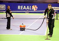 16-12-10, Tennis, Rotterdam, Reaal Tennis Masters 2010,   Onderhoud van de baan