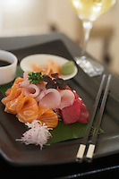 """Europe/République Tchèque/Prague:  Sashimi - Recette de   Gregory McLean chef du restaurant """"Essensia"""" - Hotel Mandarin Oriental"""