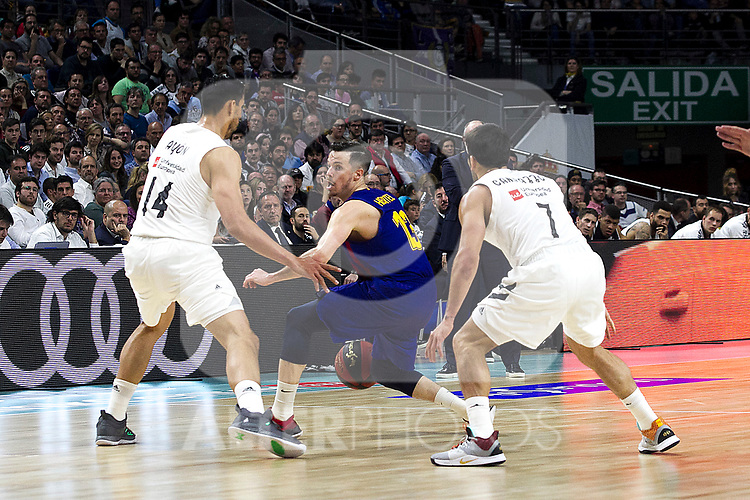 Real Madrid's Gustavo Ayon, Barcelona's Thomas Heurtel and Real Madrid's Facundo Campazzo during Liga Endesa match between Real Madrid and FC Barcelona Lassa at Wizink Center in Madrid, Spain. March 24, 2019.  (ALTERPHOTOS/Alconada)