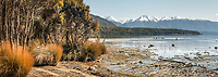 Shores of Lake Te Anau with Kepler Mountains in background, Fiordland National Park, UNESCO World Heritage Area, New Zealand, NZ