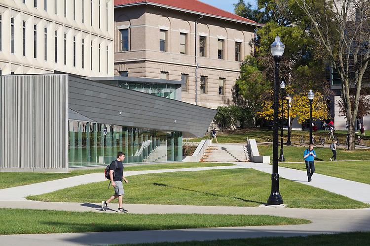 Wilce Student Health Center | Smith-Miller Hawkinson