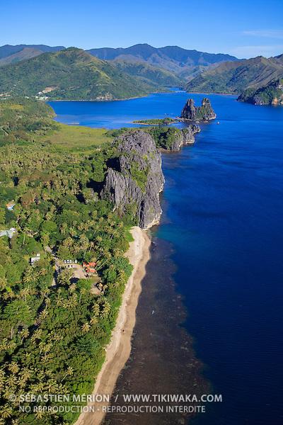 """Littoral de Hienghène et sa plage du """"Billet de 500"""", Nord-Est de la Nouvelle-Calédonie"""