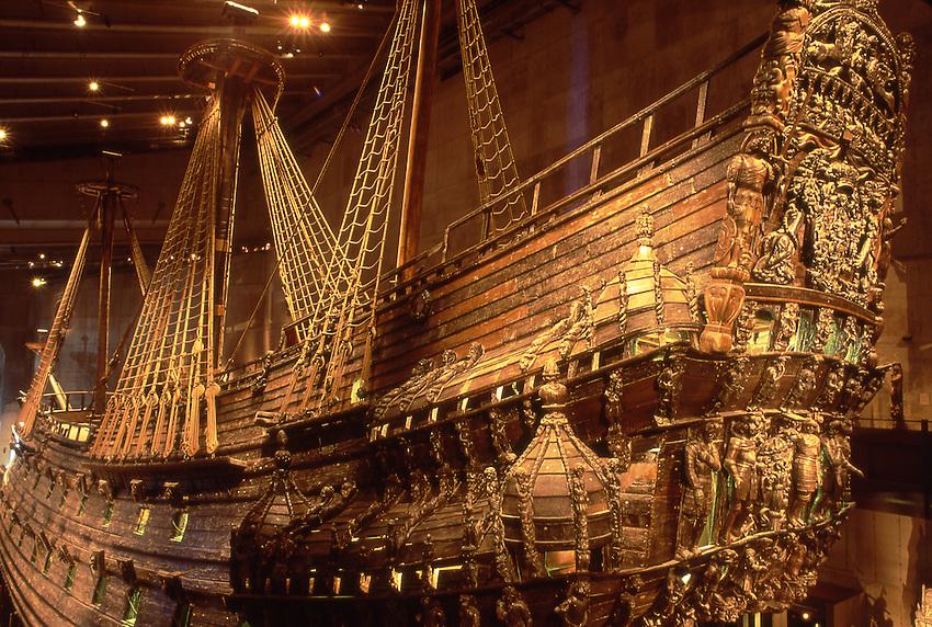 SWE, Schweden, Stockholm, Die Vasa im Vasamuseum, Die Vasa sollte einst das stolzeste Schiff der Koeniglich Schwedischen Flotte werden. Fuer die damalige Zeit war es ein Schiff der Superlative. Leider sank die Vasa bereits auf ihrer Jungfernfahrt und wurde erst 1961 wieder geborgen. Nach der Bergung begann man, das Schiff liebevoll und detailgetreu zu restaurieren.<br /> [Fuer die Nutzung gelten die jeweils gueltigen Allgemeinen Liefer-und Geschaeftsbedingungen. Nutzung nur gegen Verwendungsmeldung und Nachweis. Download der AGB unter http://www.image-box.com oder werden auf Anfrage zugesendet. Freigabe ist vorher erforderlich. Jede Nutzung des Fotos ist honorarpflichtig gemaess derzeit gueltiger MFM Liste - Kontakt, Uwe Schmid-Fotografie, Duisburg, Tel. (+49).2065.677997, fotofinder@image-box.com, www.image-box.com]