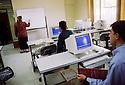 Irak 2000.Cours d'informatique à l'université d'Erbil.            Iraq 2000.Computer course in Erbil's university