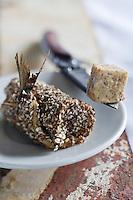 Europe/France/Bretagne/29/Finistère/Plomodiern:   Roll mops de sardines torréfiées, beurre de blé noir recette d' Olivier Bellin de l'Auberge des Glazicks