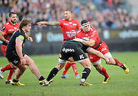 Guilhem Guirado of RC Toulon takes the full brunt of the tackle by Henry Thomas of Bath Rugby during the European Rugby Champions Cup match between Bath Rugby and RC Toulon - 23/01/2016 - The Recreation Ground, Bath Mandatory Credit: Rob Munro/Stewart Communications