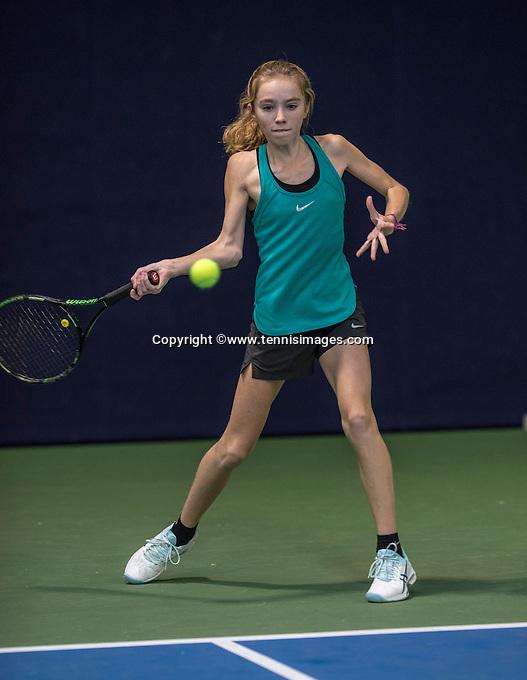 Hilversum, Netherlands, December 4, 2016, Winter Youth Circuit Masters, Sanne Schalenkamp (NED)<br /> Photo: Tennisimages/Henk Koster