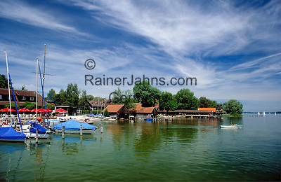 Germany, Bavaria, Upper Bavaria, Utting at Ammer Lake: small yacht harbour