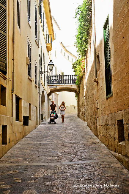 The Carrer de Serra, a narrow street near the Arab  Baths in the Old City neighbourhood, Palma de Mallorca, Balearic Islands, Spain.