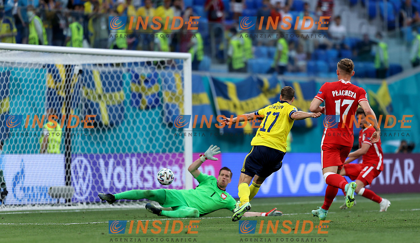 SAINT PETERSBURG, RUSSIA - JUNE 23: Viktor Claesson of Sweden scores their side's third goal past Wojciech Szczesny of Poland during the UEFA Euro 2020 Championship Group E match between Sweden and Poland at Saint Petersburg Stadium on June 23, 2021 in Saint Petersburg, Russia. (Photo by Joosep Martinson - UEFA/UEFA via Getty Images)<br /> Photo Uefa/Insidefoto ITA ONLY