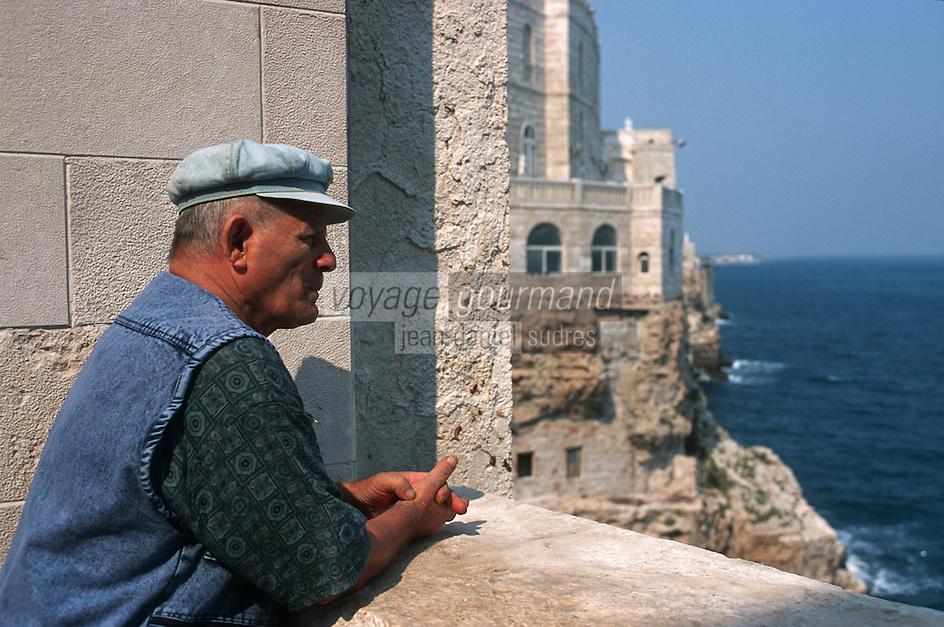 Europe/Italie/La Pouille/Polignano A Mare: Sur le front de mer