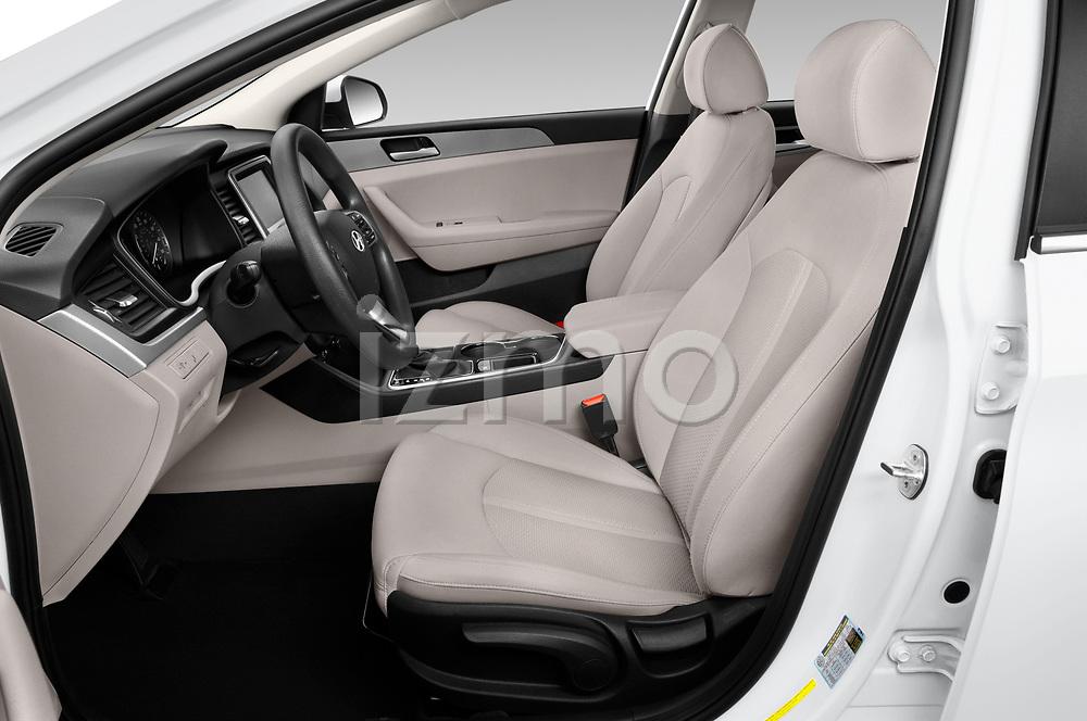 Front seat view of 2019 Hyundai Sonata SE 4 Door Sedan Front Seat  car photos