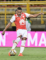 BOGOTÁ -COLOMBIA, 03-09-2016. Yeison Gordillo jugador de Santa Fe en acción durante partido entre Independiente Santa Fe y La Equidad por la fecha 7 de la Liga Aguila II 2016 jugado en el estadio Metropolitano de Techo de la ciudad de Bogota.  / Yeison Gordillo player of Santa Fe in action during match between Independiente Santa Fe and La Equidad for the date 7 of the Liga Aguila II 2016 played at the Metropolitano de Techo Stadium in Bogota city. Photo: VizzorImage/ Gabriel Aponte / Staff