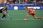 The Hague, Netherlands, June 05: Maartje Paumen #17 of The Netherlands passes the ball during the field hockey group match (Women - Group A) between New Zealand and The Netherlands on June 5, 2014 during the World Cup 2014 at Kyocera Stadium in The Hague, Netherlands. Final score 0-2 (0-2) (Photo by Dirk Markgraf / www.265-images.com) *** Local caption ***