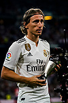 Luka Modric poses with his trophies of Best FIFA Men's Player Award 2018 during their La Liga  2018-19 match between Real Madrid CF and Atletico de Madrid at Santiago Bernabeu on September 29 2018 in Madrid, Spain. Photo by Diego Souto / Power Sport Images