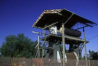 SUDAFRICA - Kimberley, miniera di diamanti di Bultfontein ( Miniere De Beers):: un capannone nella parte esterna della miniera.