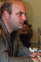 Soiree electorale, le 4 septembre 2012, sur la rive sud<br /> <br /> <br /> PHOTO :  Agence Quebec Presse