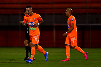 ENVIGADO - COLOMBIA, 26-09-2020: Santiago Jimenez de Envigado F. C., celebra el gol anotado a Atletico Junior  durante partido entre Envigado F. C. y Atletico Junior  de la fecha 10 por la Liga BetPlay DIMAYOR I 2020, en el estadio Polideportivo Sur de la ciudad de Envigado. / Santiago Jimenez of Envigado F. C., celebrates a scored goal to Atletico Junior, during a match between Envigado F. C., and Atletico Junior of the 10th date  for the BetPlay DIMAYOR Leguaje I 2020 at the Polideportivo Sur stadium in Envigado city. Photo: VizzorImage / Luis Benavides / Cont.