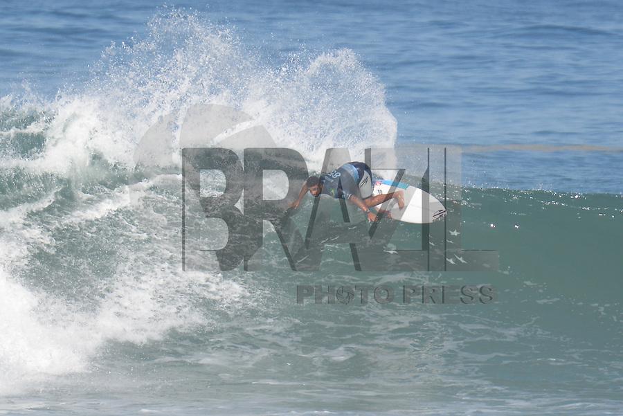 SAQUAREMA, RJ, 16.05.2018 - WSL-RJ - Michael Rodrigues, no Oi Rio Pro etapa da WSL na Praia de Itaúna, Saquarema, Rio de Janeiro nesta quarta-feira, 16. (Foto: Clever Felix/Brazil Photo Press)