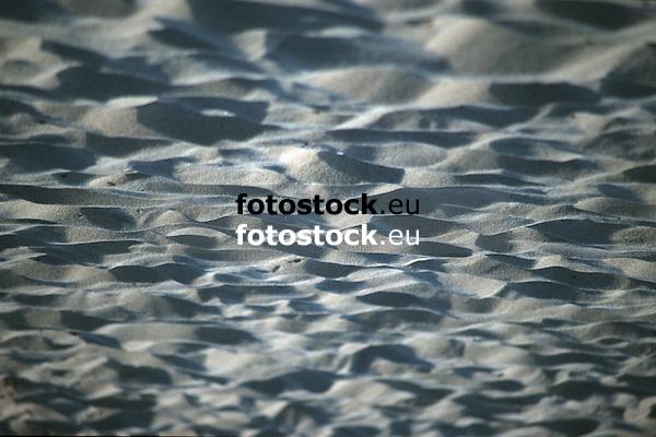 Sand at a beach<br /> <br /> Arena de una playa<br /> <br /> Sand am Strand<br /> <br /> 1870 x 1246 px<br /> Original: 35 mm slide transparency