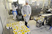 - Con.Bio. a Santarcangelo di Romagna, azienda leader in Italia per la  la produzione di alimenti vegetali e biologici; <br /> confezionamento della crema vellutata di lenticchie e zucca<br /> <br /> - Con.Bio. in Santarcangelo di Romagna, leading company in Italy for the production of vegetable and biological food; <br /> packaging of velvety cream of lentils and pumpkin