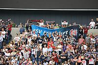 Fans von Eintracht Frankfurt und dem FSV Frankfurt friedlich vereint - 06.08.2017: Eintracht Frankfurt vs. FSV Frankfurt, Saisoneröffnung, Commerzbank Arena