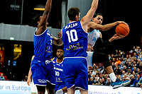 GRONINGEN - FIBA Basketbal-bubbel. Donar - Allianz Swans Gmunden seizoen 2021-2022, 29-09-2021, Donar speler Marquis Addison met Gmunden speler Toni Blazan