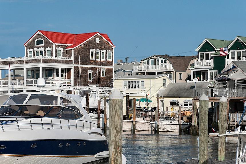 Cape May Harbor marina and houses, NJ, New Jersey, USA