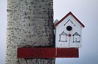 Amérique/Amérique du Nord/Canada/Quebec/Ile-aux-Coudres : Abri pour oiseaux