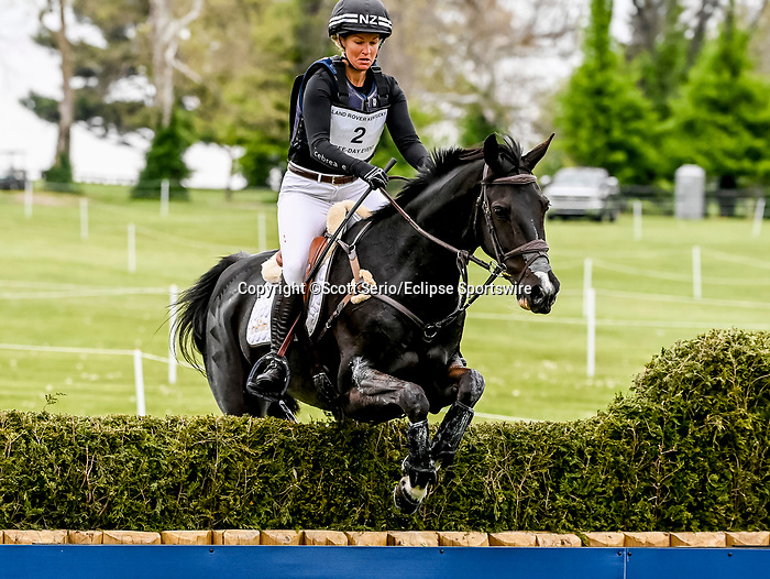 April 24, 2021: Jonelle Price competes in the Cross Country phase of the Land Rover 5* 3-Day Event aboard Grappa Nera at the Kentucky Horse Park in Lexington, Kentucky. Scott Serio/Eclipse Sportswire/CSM