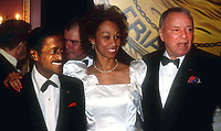 Sammy Davis Jr., wife Altovese Frank Sinatra 1984<br /> Photo by Adam Scull/PHOTOlink