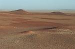 Skeleton coast; dunes et pierres Namibie. Afrique.Namibia; Africa
