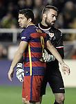 Rayo Vallecano's Juan Carlos Martin (r) and FC Barcelona's Luis Suarez during La Liga match. March 3,2016. (ALTERPHOTOS/Acero)