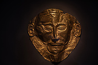 gold funeral mask of Agamemnon discovered at the ancient Greek site of Mycenae. National Archaeological Museum of Athens Maschera funeraria in oro di Agamennone (Micene)  Museo Nazionale Archeologico di Atene