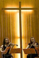 """28.03.2010 Concert """"Les Sept Dernières Paroles du Christ en Croix"""" de Joseph Haydn par le Quatuor Animato.<br /> Violons:Anne Wiederker et Priscille Lachat-Sarrete<br /> Alto:Delphine Hass<br /> Violoncelle:Kayoko Yokote<br /> Récitant:Jean-Christophe Barbaud"""