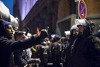 """Bis zu 5.000 Menschen protestierten am Montag den 5. Januar 2015 in Berlin gegen den Ausmarsch von Pegida-Anhaengern. Sie blockierten mehrere Stunden lang bei Regen die Marschroute. Die Polizei schaffte es nicht mit koerperlicher Gewalt die Blockade zu beenden, so dass die 200 Rechten nach drei Stunden nach Hause gehen mussten.<br /> Etwa 200 Anhaenger des Berliner Pegida Ablegers Baergida, """"Berlin gegen die Islamisierung des Abendlandes"""", hatten sich versammelt um gegen eine angebliche Islamisierung Deutschlands zu protestieren. Der Anmelder der Baergida-Veranstaltung Karl Schmitt behauptete, dass """"in 30 Jahren in Deutschland die Sharia herrscht"""".Unter den Anhaengern von Baergida waren viele bekannte militante Neonazis und Hooligans sowie Mitglieder der Rechtsparteien AfD und Pro Deutschland und der rechtsradikalen German Defense League. Immer wieder wurde skandiert """"Luegenpresse, auf die Fresse"""" und dass die Journalisten nach Israel verschwinden sollen.<br /> 5.1.2015, Berlin<br /> Copyright: Christian-Ditsch.de<br /> [Inhaltsveraendernde Manipulation des Fotos nur nach ausdruecklicher Genehmigung des Fotografen. Vereinbarungen ueber Abtretung von Persoenlichkeitsrechten/Model Release der abgebildeten Person/Personen liegen nicht vor. NO MODEL RELEASE! Nur fuer Redaktionelle Zwecke. Don't publish without copyright Christian-Ditsch.de, Veroeffentlichung nur mit Fotografennennung, sowie gegen Honorar, MwSt. und Beleg. Konto: I N G - D i B a, IBAN DE58500105175400192269, BIC INGDDEFFXXX, Kontakt: post@christian-ditsch.de<br /> Bei der Bearbeitung der Dateiinformationen darf die Urheberkennzeichnung in den EXIF- und  IPTC-Daten nicht entfernt werden, diese sind in digitalen Medien nach §95c UrhG rechtlich geschuetzt. Der Urhebervermerk wird gemaess §13 UrhG verlangt.]"""