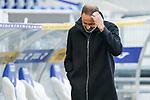 Pellegrino Matarazzo (Trainer, Cheftrainer, VfB) kratzt sich am Kopf, Einzelbild, Aktion, Action, enttäuscht schauend, Enttäuschung, Frustration, disappointed, pessimistisch, 21.11.2020, Sinsheim  (Deutschland), Fussball, Bundesliga, TSG 1899 Hoffenheim - VfB Stuttgart, DFB/DFL REGULATIONS PROHIBIT ANY USE OF PHOTOGRAPHS AS IMAGE SEQUENCES AND/OR QUASI-VIDEO. <br /> <br /> Foto © PIX-Sportfotos *** Foto ist honorarpflichtig! *** Auf Anfrage in hoeherer Qualitaet/Aufloesung. Belegexemplar erbeten. Veroeffentlichung ausschliesslich fuer journalistisch-publizistische Zwecke. For editorial use only.