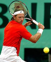 31-05-2004, Paris, tennis, Roland Garros, Nalbandian in zijn partij tegen Safin